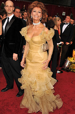 Actress Sophia Loren arrives at the 81st Annual Academy Awards h